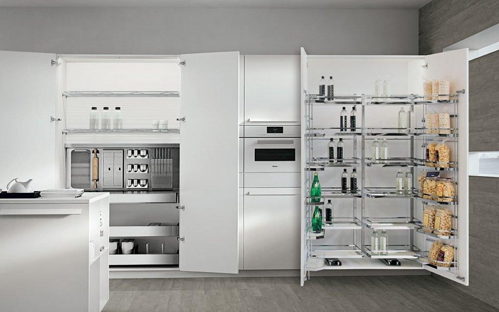 Colonne attrezzate cucina moderna di Lab Cucine Torino negozio di cucine in canavese