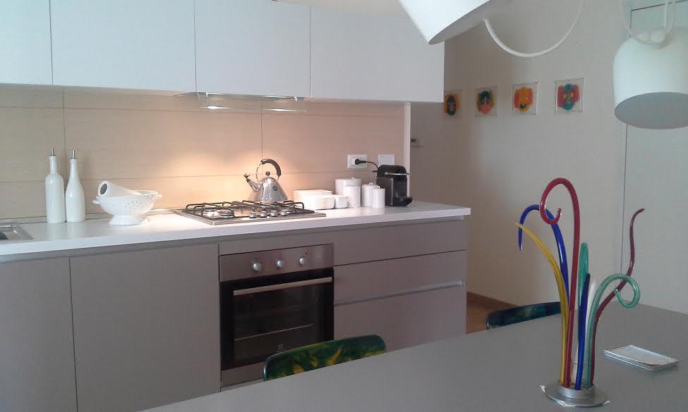 realizzazione moderna presso cliente del negozio cucine in canavese