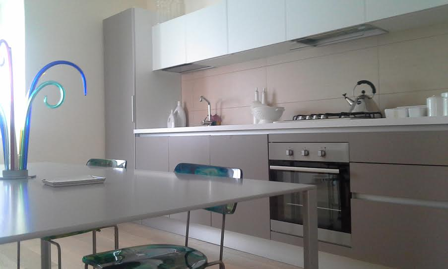 Composizione moderna realizzata dal centro cucine in Canavese presso cliente