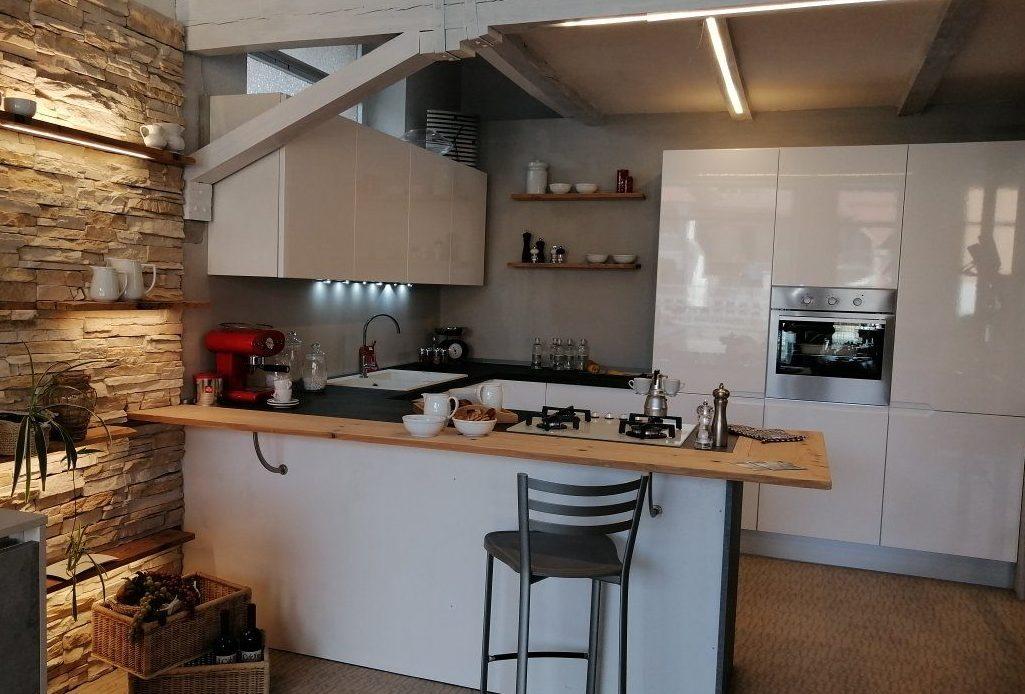 cucina bianca tra le proposte di cucine in stile total white
