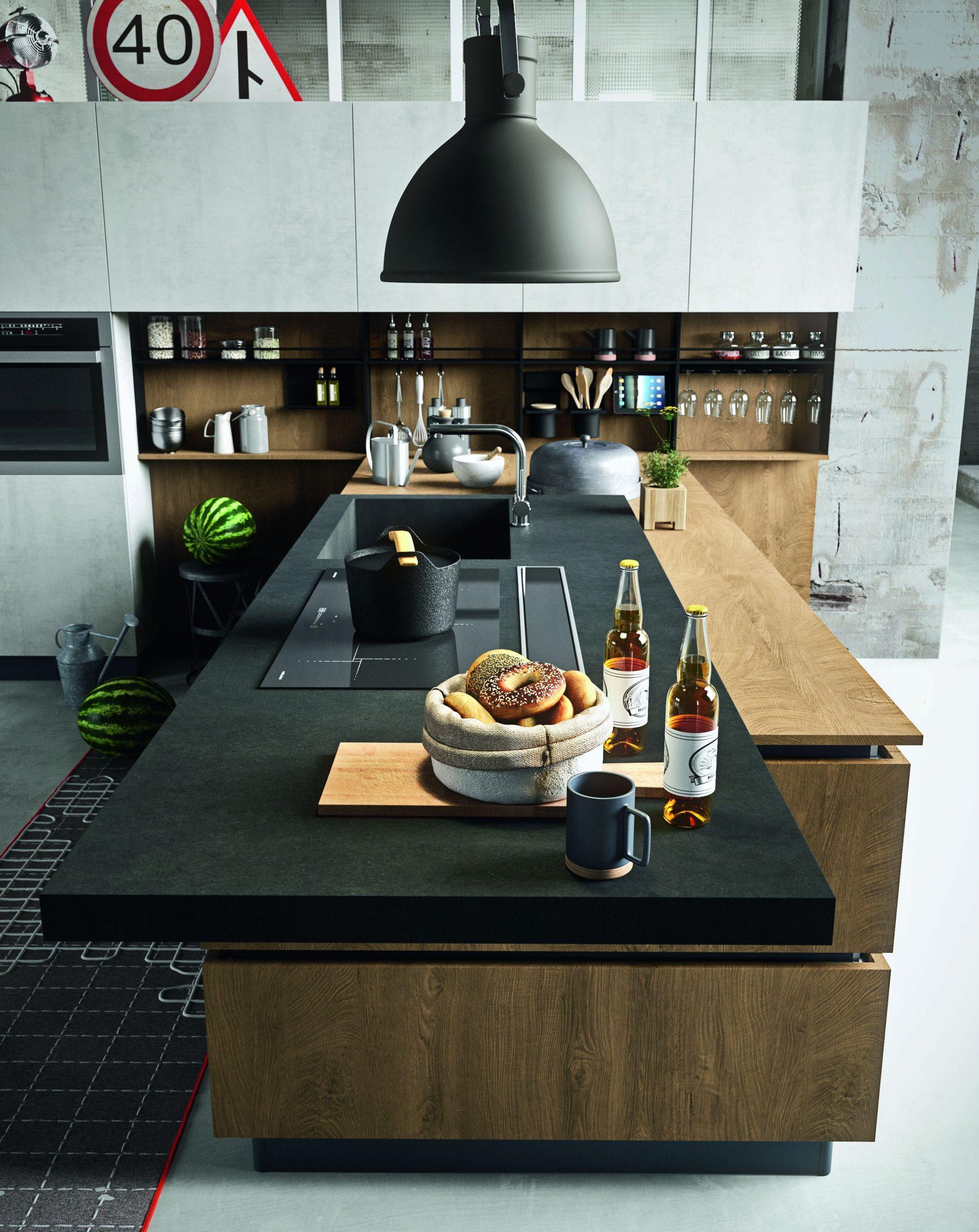 Piano top in lavagna in una cucina Industrial effetto cemento e legno