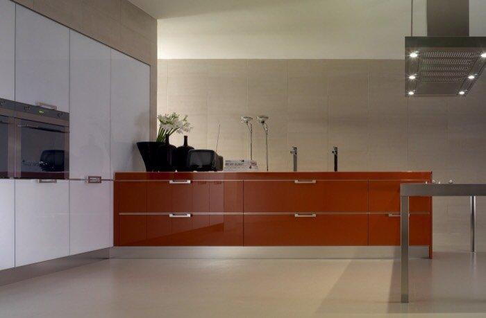cucina moderna in Vetro Laccato bianco e bordeaux