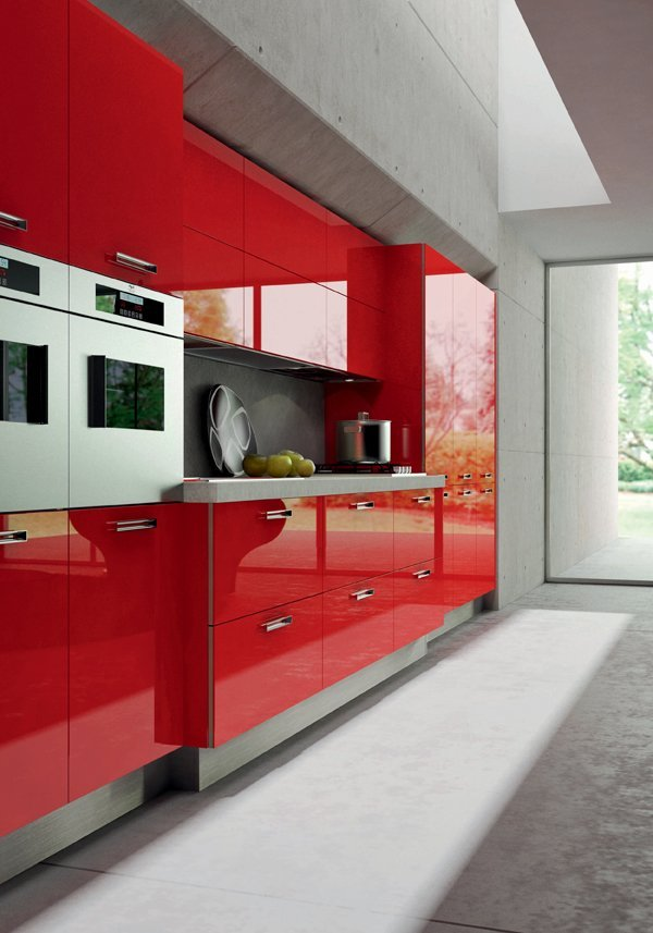 Una cucina rosso fiammante per il segno ariete tra le soluzioni stili di cucine e segni zodiacali per il 2021