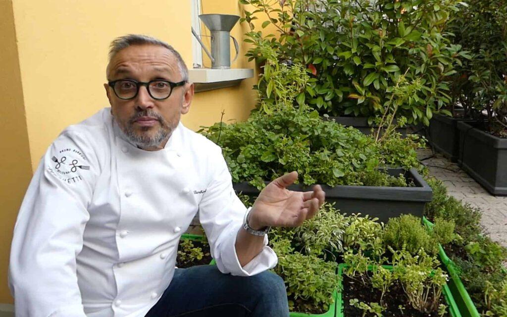 Bruno Barbieri noto Chef, conduttore di Masterchef, nel suo orto di erbe aromatiche