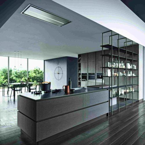 Cucina moderna Astra a isola con etagere ferro, della selezione di Lab Cucine Torino, cucine moderne e classiche di tendenza.
